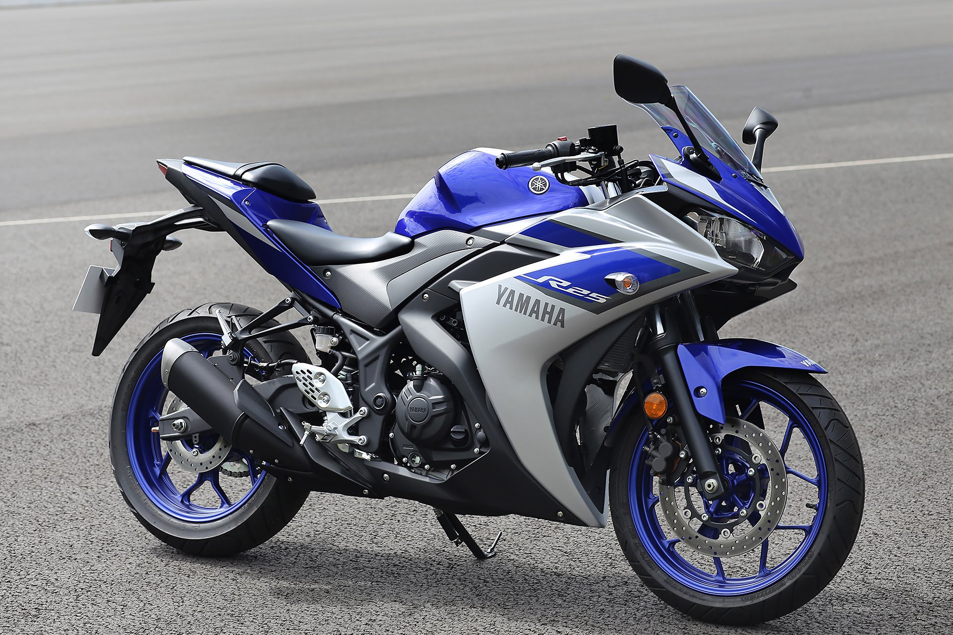 Yamaha-YZF-R25-Color-azul