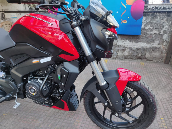 Bajaj Dominar 250 barras invertidas USD